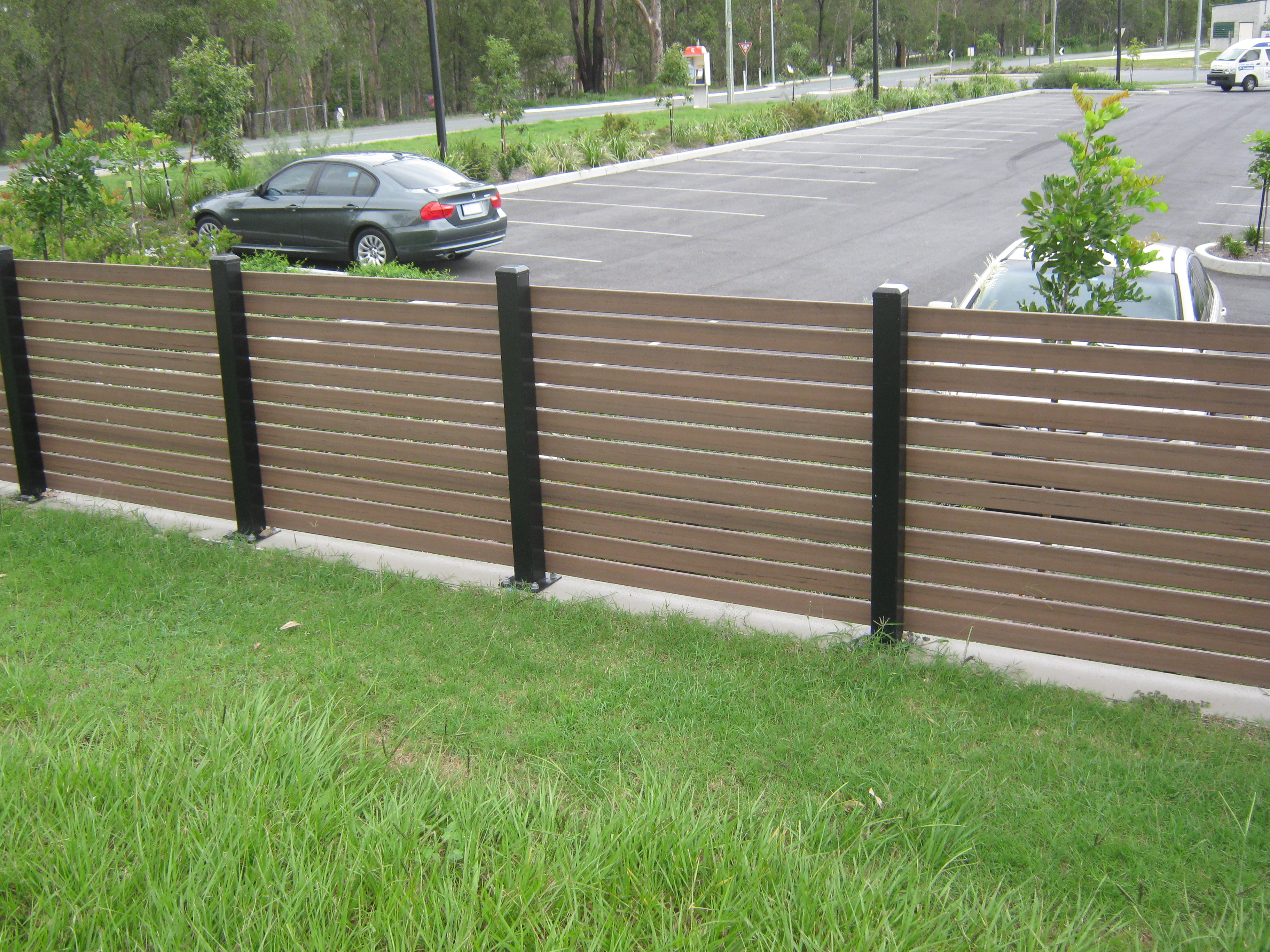 Modwood privacy screens sydney branson 39 s building material for Garden decking materials